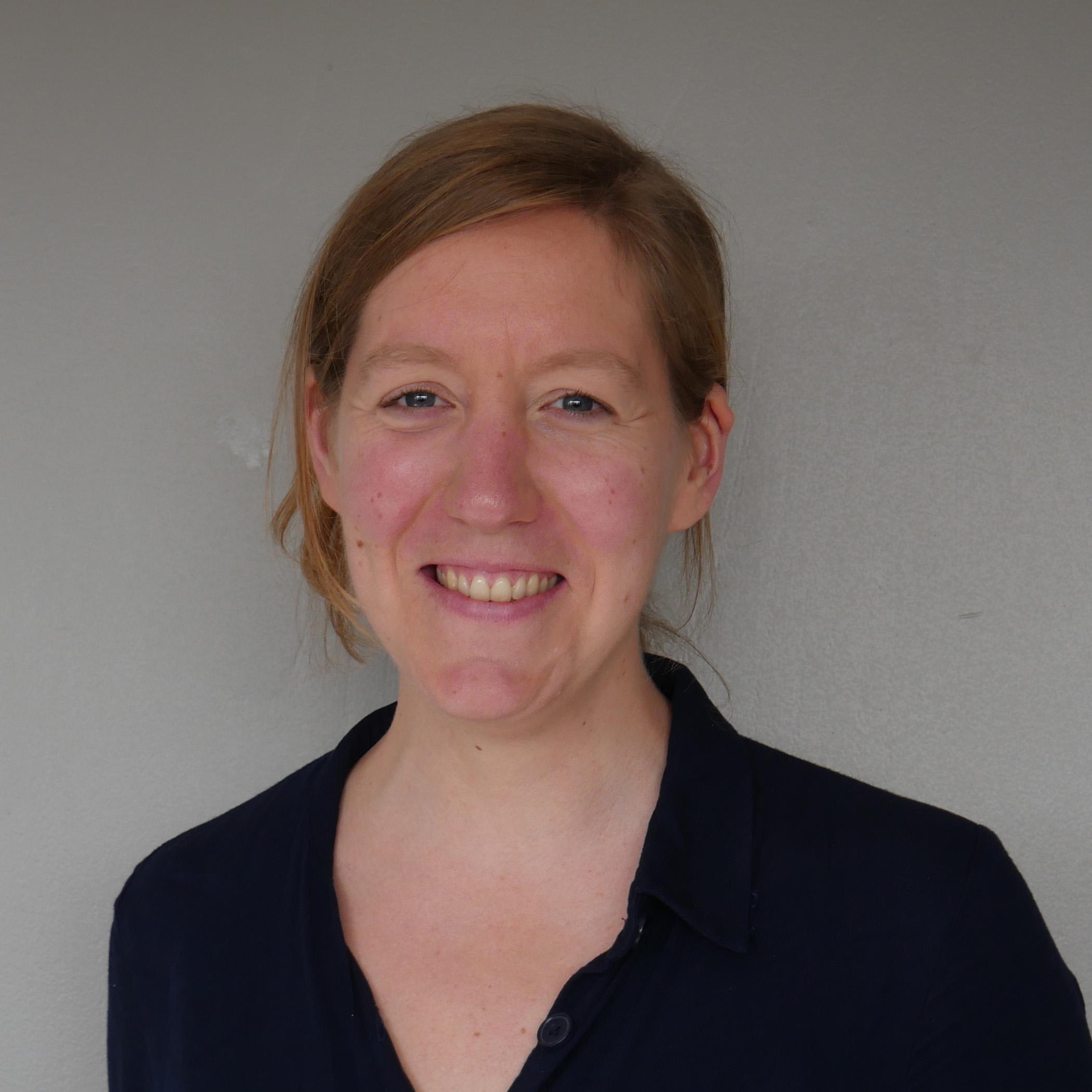 Dr. Lizanne Schweren